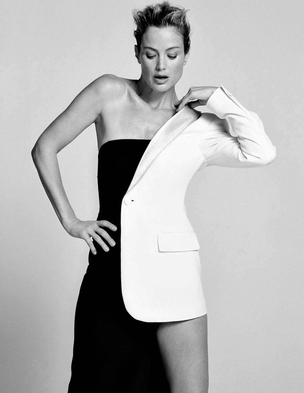 Carolyn-Murphy-Elle-Italia-Matt-Jones-10-620x801.jpg