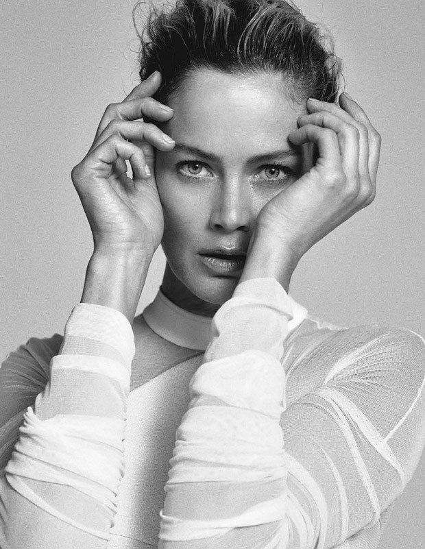 Carolyn-Murphy-Elle-Italia-Matt-Jones-14-620x801.jpg