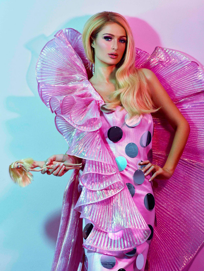 paris-hilton-odda-magazine-barbie-90s02.jpg