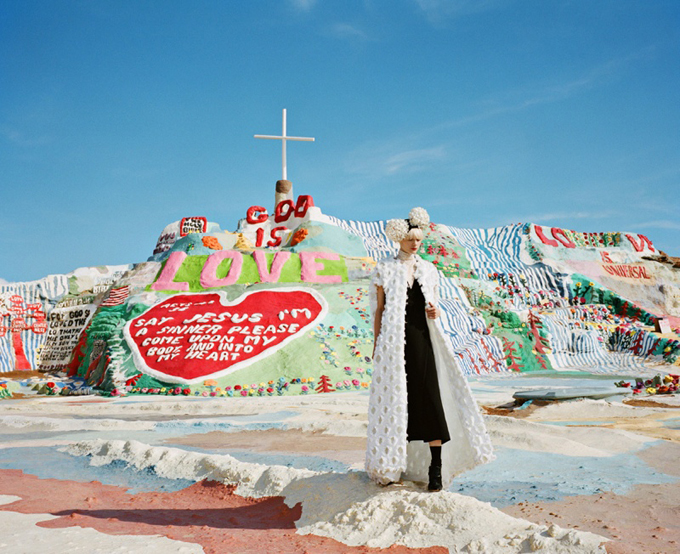 salvation-mountain-fashion-photoshoot07.jpg