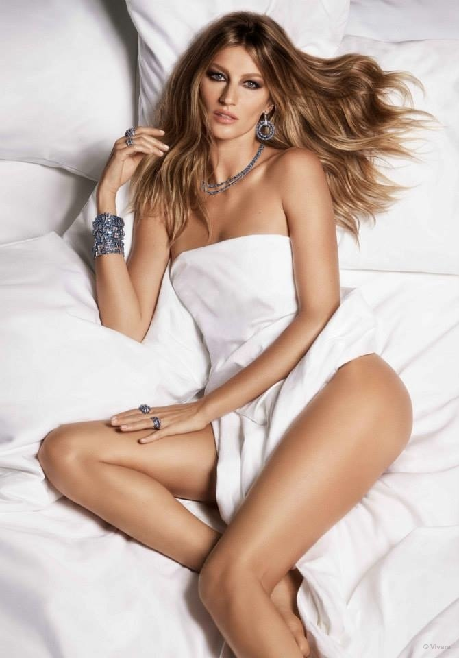 gisele-bundchen-bed-vivara-jewelry-2015-ads05.jpg