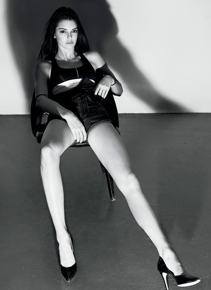 kendall-jenner-v-magazine-summer-2015-photos03.jpg