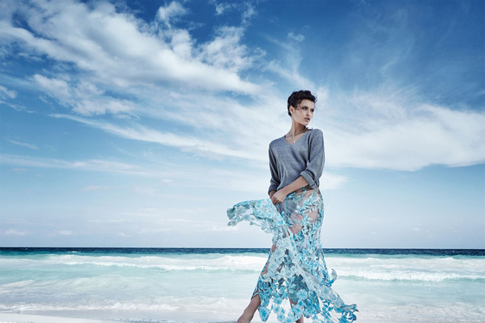 Chloe-Lecareux-Beach-Editorial05.jpg