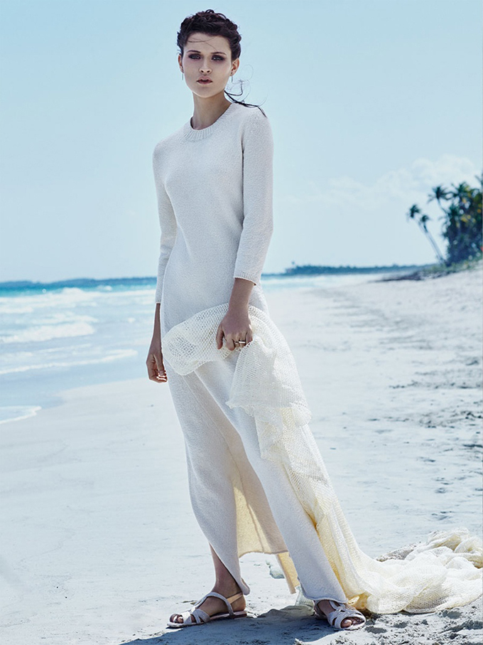 Chloe-Lecareux-Beach-Editorial10.jpg