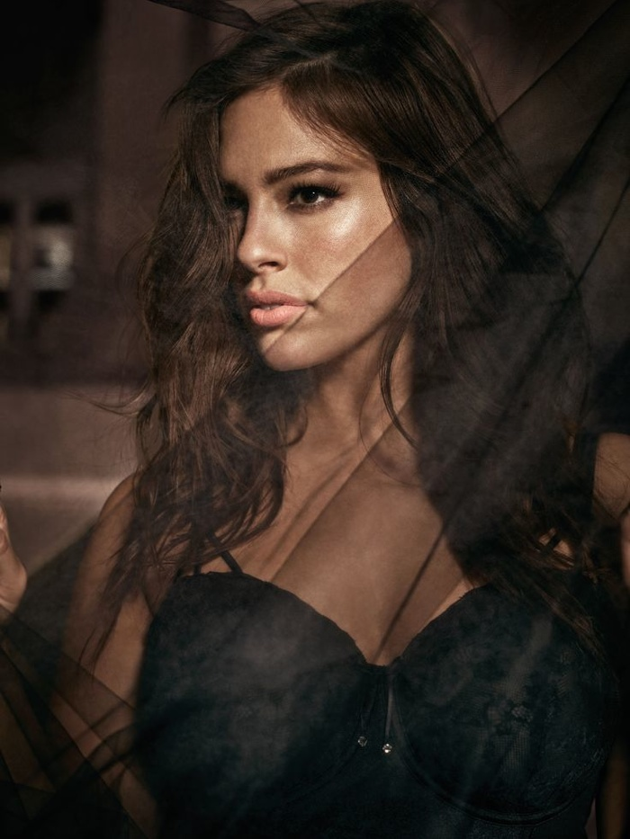 Ashley-Graham-Addition-Elle-Underwear-2015-Campaign04.jpg