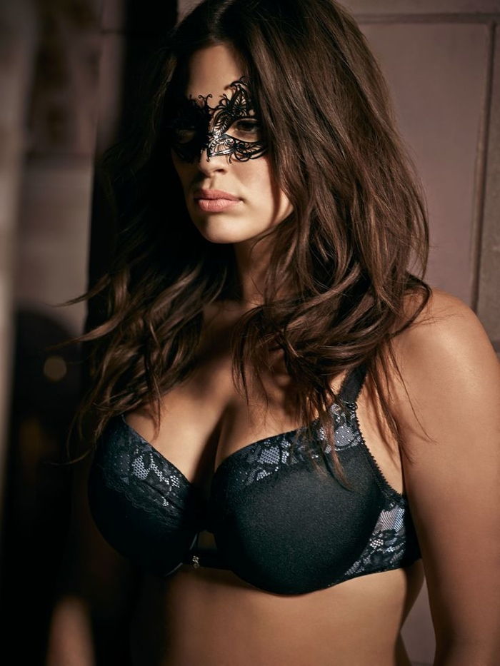 Ashley-Graham-Addition-Elle-Underwear-2015-Campaign07.jpg