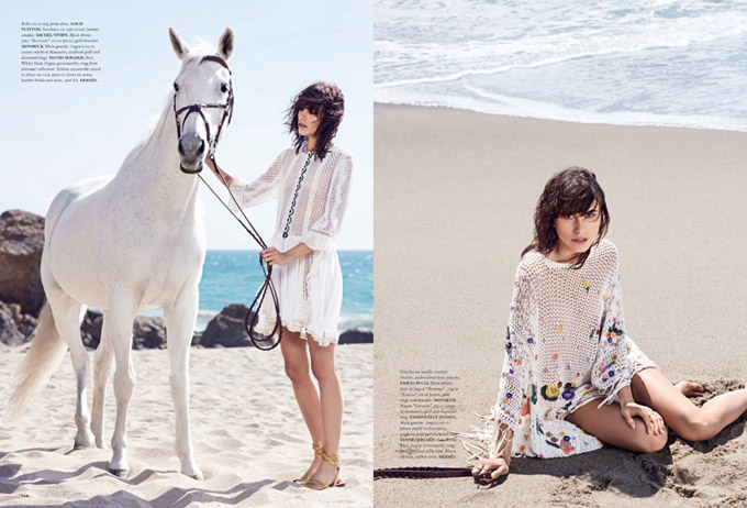 Langley-Fox-White-Looks-Beach-Editorial02.jpg