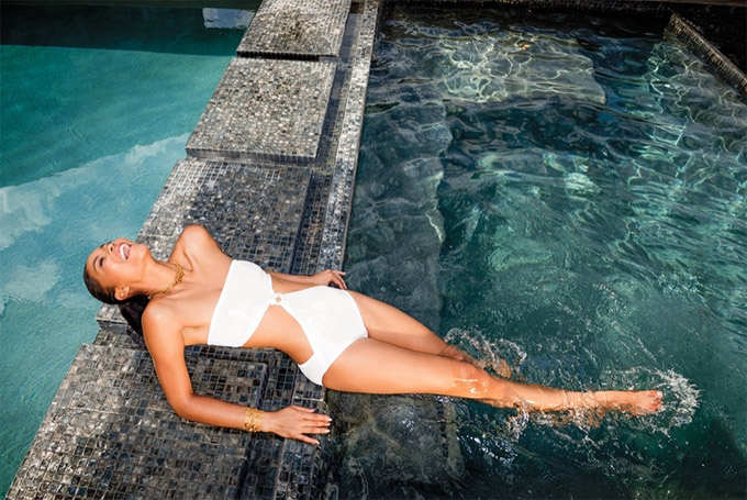 Chanel-Iman-Swimsuit-C-Magazine-Photo-Shoot01-800x1444.jpg