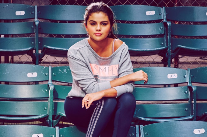 Selena-Gomez-adidas-Neo-Workout-Clothes06-800x1444.jpg