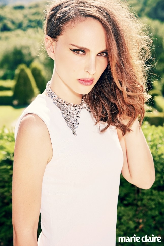 Natalie-Portman-Marie-Claire-UK-2015-Cover-Shoot02-800x1444.jpg